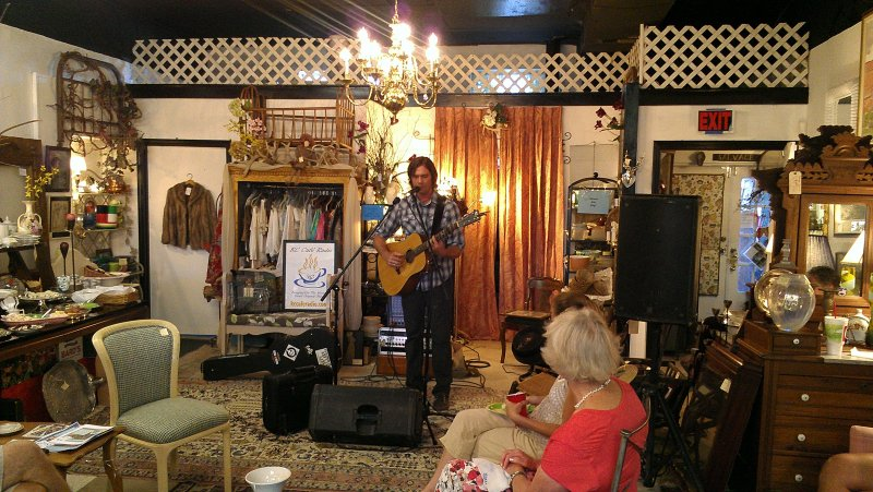 kc-cafe-house-concert_-sky-smeed-7